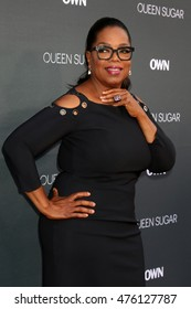 """LOS ANGELES - AUG 29:  Oprah Winfrey at the Premiere Of OWN's """"Queen Sugar"""" at the Warner Brothers Studios on August 29, 2016 in Burbank, CA"""