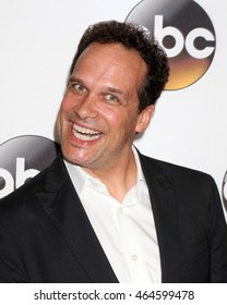 LOS ANGELES - AUG 4:  Diedrich Bader at the ABC TCA Summer 2016 Party at the Beverly Hilton Hotel on August 4, 2016 in Beverly Hills, CA