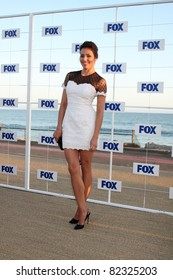 LOS ANGELES - AUG 5:  Michaela Conlin arriving at the FOX TCA Summer 2011 Party at Gladstones on August 5, 2011 in Santa Monica, CA