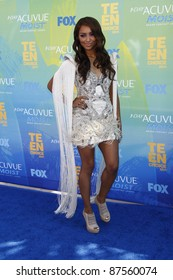LOS ANGELES - AUG 7: Katerina Graham arrives at the 2011 Teen Choice Awards held at Gibson Amphitheatre on August 7, 2011 in Los Angeles, California