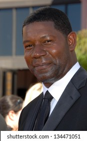 LOS ANGELES - AUGUST 27: Dennis Haysbert arriving at the 58th Annual Primetime Emmy Awards at The Shrine Auditorium on August 27, 2006 in Los Angeles, CA.