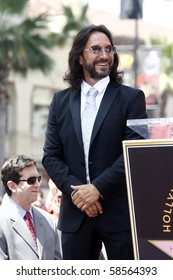 LOS ANGELES - AUGUST 4:  Marco Antonio Solis at the Hollywood Walk of Fame Ceremony for Marco Antonio Solis at Hollywood Walk of Fame on August 4, 2010 in Los Angeles, CA