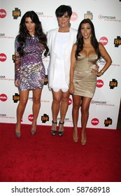LOS ANGELES - AUGUST 6:  Kim Kardashian, Kris Jenner, & Kourtney Kardashian  at the Comcast Summer 2010 TCA Cocktail Party at Beverly Hilton Hotel on August 6, 2010 in Beverly Hills , CA