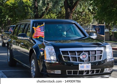 LOS ANGELES - AUGUST 6: President Barack Obama�´s  limousines passing on the streets of Burbank on August 6, 2013 in Los Angeles