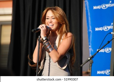 LOS ANGELES, CA- APRIL 28: Singer Miley Cyrus performs at The Grove for The Make A Wish Fundation concert series, April 28, 2010 in Los Angeles, CA.