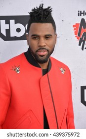 LOS ANGELES, CA. April 3, 2016. Singer Jason Derulo at the iHeartRadio Music Awards 2016 at The Forum.