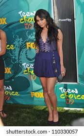 LOS ANGELES, CA - AUGUST 9, 2009: Vanessa Hudgens at the 2009 Teen Choice Awards at the Gibson Amphitheatre, Universal City.