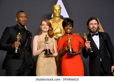 LOS ANGELES, CA. February 26, 2017: Mahershala Ali, Emma Stone, Viola Davis & Casey Affleck in the photo room at the 89th Annual Academy Awards at the Dolby Theatre, Los Angeles.