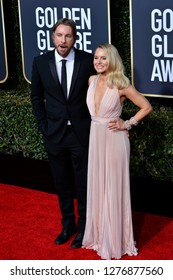 LOS ANGELES, CA. January 06, 2019: Dax Shepard & Kristen Bell at the 2019 Golden Globe Awards at the Beverly Hilton Hotel.