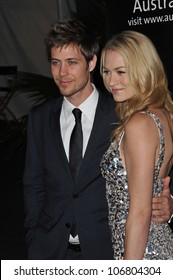 Yvonne Strahovski Tim Loden Images Stock Photos Vectors Shutterstock He is married to australian actress, yvonne strahovski, whom he married in 2017. https www shutterstock com image photo los angeles ca january 22 2011 106804304