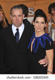LOS ANGELES, CA - JANUARY 23, 2010: Sandra Bullock & Jesse James at the 16th Annual Screen Actor Guild Awards at the Shrine Auditorium.