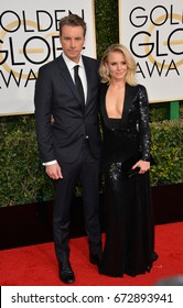 LOS ANGELES, CA - JANUARY 8, 2017: Kristen Bell & Dax Shepard at the 74th Golden Globe Awards  at The Beverly Hilton Hotel, Los Angeles