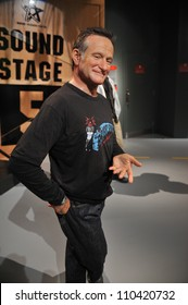 LOS ANGELES, CA - JULY 21, 2009: Robin Williams waxwork figure - grand opening of Madame Tussauds Hollywood.