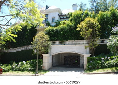 LOS ANGELES, CA - JULY 5: Michael Jackson's rented house in the Beverly Hills area where he died (6/25/2009)at age of 50, July 5, 2009 in Los Angeles, California.