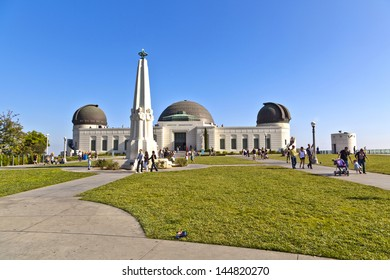 LOS ANGELES, CA - JUNE 10: people visit the Griffith observatory in Griffith park on June 10,2912 in Los Angeles. Due to Grifiths last will the entrance for public is free since 1935.