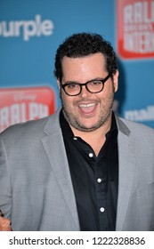 """LOS ANGELES, CA. November 05, 2018: Josh Gad at the world premiere of """"Ralph Breaks The Internet"""" at the El Capitan Theatre.Picture: Paul Smith/Featureflash"""