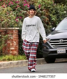 Los Angeles, CA USA  02 27 2021 Justin Bieber enjoys a walk around his neighborhood.