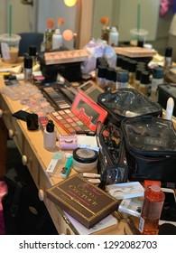 Makeup Powder Images, Stock Photos & Vectors | Shutterstock