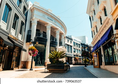 LOS ANGELES, CALIFORNIA. 30th August, 2017: luxury street of rodeo drive at beverly hills, los angeles
