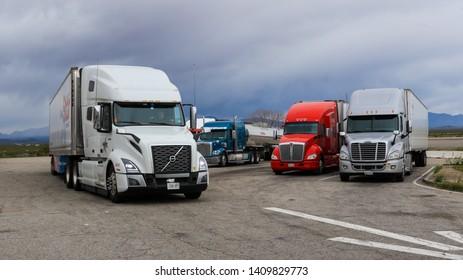 Imágenes, fotos de stock y vectores sobre Breaks Interstate