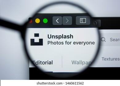 Los Angeles, California, USA - 21 Jule 2019: Illustrative Editorial of UNSPLASH.COM website homepage. UNSPLASH logo visible on display screen.