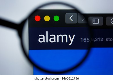 Los Angeles, California, USA - 21 Jule 2019: Illustrative Editorial of ALAMY.COM website homepage. ALAMY logo visible on display screen.