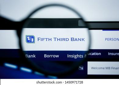 Fifth Third Bank Images, Stock Photos & Vectors | Shutterstock
