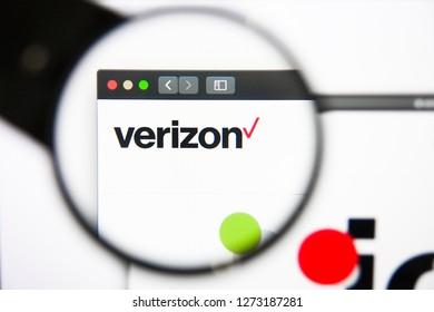 Los Angeles, California, USA - 27 December 2018: Verizon website homepage. Verizon logo visible