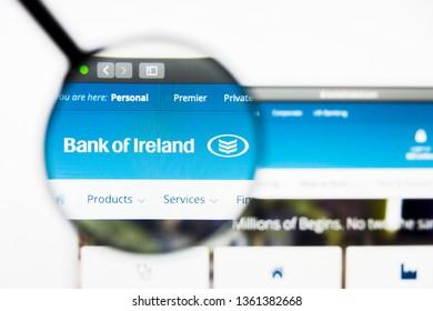 Los Angeles, California, USA - 5 April 2019: Illustrative Editorial of Bank of Ireland website homepage. Bank of Ireland logo visible on display screen.