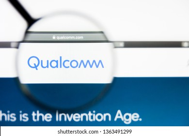 Los Angeles, California, USA - 8 April 2019: Illustrative Editorial of Qualcomm website homepage. Qualcomm logo visible on display screen.
