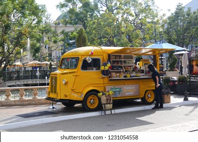 Los Angeles,  Californian / USA - October 13 2018:  Cafe on wheels. Yellow vintage bus selling coffee.