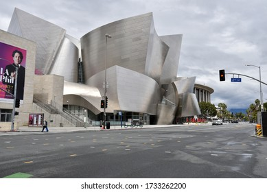 Los Angeles, CA/USA - April 9, 2020: Deserted streets around the Walt Disney Concert Hall during COVID-19 quarantine