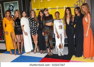 LOS ANGELES, CA/USA - AUGUST 30 2015: Gigi Hadid, Martha Hunt, Hailee Steinfeld, Cara Delevingne, Selena Gomez, Taylor Swift, Serayah, Mariska Hargitay, Lily Aldridge, Karlie Kloss MTV VMA's.