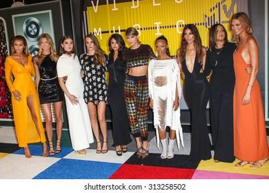 LOS ANGELES, CA/USA - AUGUST 30 2015: Gigi Hadid, Martha Hunt, Hailee Steinfeld, Cara Delevingne, Selena Gomez, Taylor Swift, Serayah, Mariska Hargitay, Lily Aldridge, Karlie Kloss at 2015 MTV VMA's