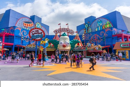 LOS ANGELES, CA/USA - MAY 24: The Simpsons Ride at Universal studios hollywood on May 24, 2015 in Los Angeles, CA, USA. It is a theme park and film studio.