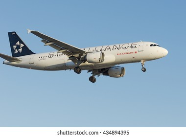 LOS ANGELES, CA/USA - MAY 24, 2015: 'Star Alliance' Air Canada aircraft (Airbus A320, reg C-FDRH) arriving at LAX. Air Canada is the flag carrier and largest airline of Canada.