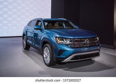 LOS ANGELES, CA/USA - NOVEMBER 20, 2019: A 2020 Volkswagen Atlas Cross Sport SUV at the Los Angeles Auto Show.
