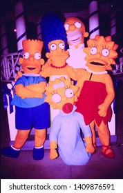 LOS ANGELES - circa 1991:  The Simpsons depart a Fox Network party.