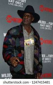 0e1a62fab44 LOS ANGELES - DEC 1  Michael Spinks at the Heavyweight Championship Of The  World
