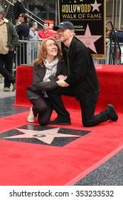 LOS ANGELES - DEC 10:  Cheryl Howard, Ron Howard at the Ron Howard Star on the Hollywood Walk of Fame at the Hollywood Blvd on December 10, 2015 in Los Angeles, CA