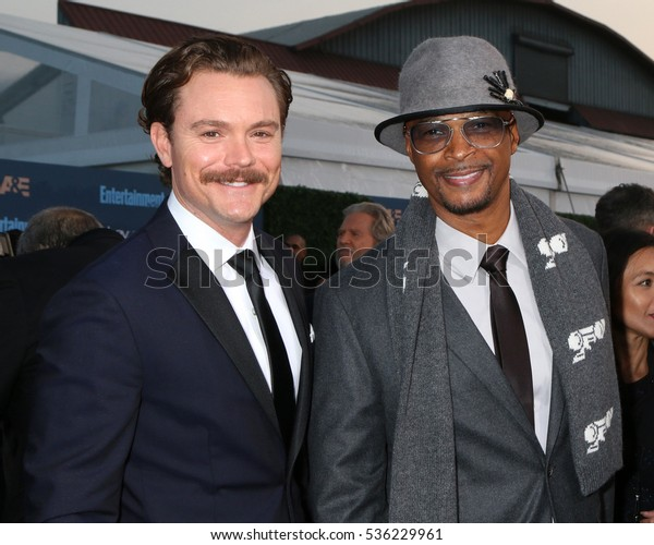 LOS ANGELES - DEC 11:  Clayne Crawford, Damon Wayans at the 22nd Annual Critics' Choice Awards at Barker Hanger on December 11, 2016 in Santa Monica, CA