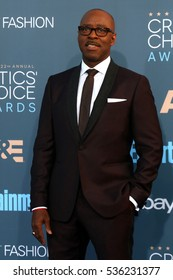 LOS ANGELES - DEC 11:  Courtney B Vance at the 22nd Annual Critics' Choice Awards at Barker Hanger on December 11, 2016 in Santa Monica, CA