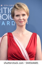 LOS ANGELES - DEC 11:  Cynthia Nixon arrives to the Critics' Choice Awards 2016 on December 11, 2016 in Hollywood, CA