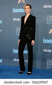 LOS ANGELES - DEC 11:  Evan Rachel Wood at the 22nd Annual Critics' Choice Awards at Barker Hanger on December 11, 2016 in Santa Monica, CA