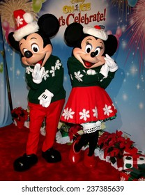 """LOS ANGELES - DEC 11:  Mickey Mouse, Minnie Mouse at the """"Disney on Ice"""" Red Carpet Reception at the Staples Center on December 11, 2014 in Los Angeles, CA"""