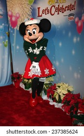 """LOS ANGELES - DEC 11:  Minnie Mouse at the """"Disney on Ice"""" Red Carpet Reception at the Staples Center on December 11, 2014 in Los Angeles, CA"""