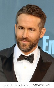 LOS ANGELES - DEC 11:  Ryan Reynolds at the 22nd Annual Critics' Choice Awards at Barker Hanger on December 11, 2016 in Santa Monica, CA
