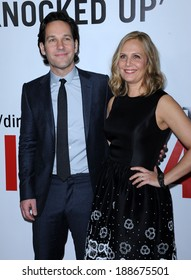 """LOS ANGELES - DEC 12:  Paul Rudd & Julie Yaeger arrives to the """"This Is 40"""" World Premiere  on December 12, 2012 in Hollywood, CA"""