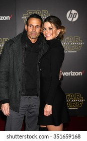 LOS ANGELES - DEC 14:  Maria Menounos at the Star Wars: The Force Awakens World Premiere at the Hollywood & Highland on December 14, 2015 in Los Angeles, CA