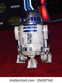 """LOS ANGELES - DEC 14:  R2D2 arrives to the """"Star Wars: The Force Awakens"""" World Premiere  on December 14, 2015 in Hollywood, CA."""